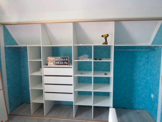 Встроенный шкаф 45