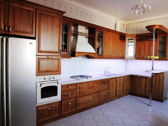 Кухня из массива 2