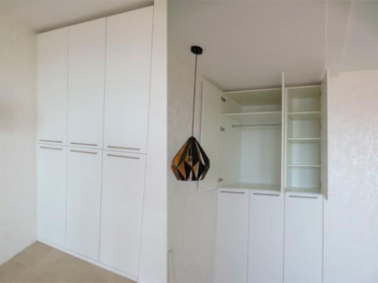 Распашной шкаф 53